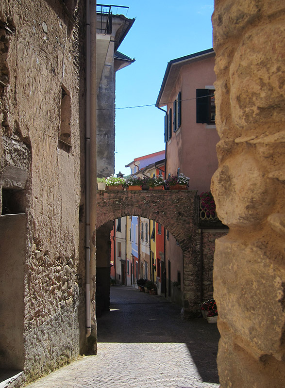 Pignone - via Bellani
